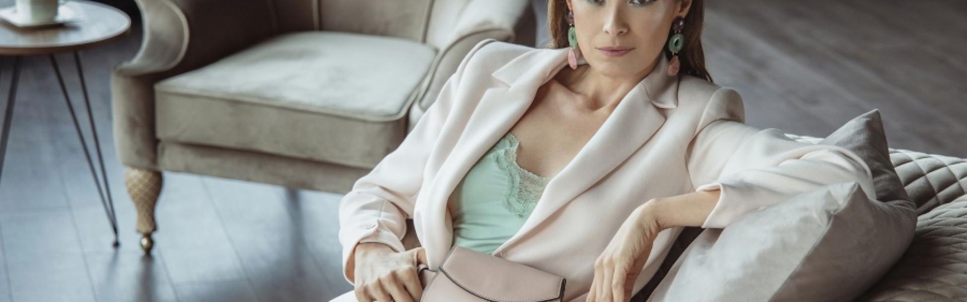 Каролина Гочева како модна инспирација за MANGO жената