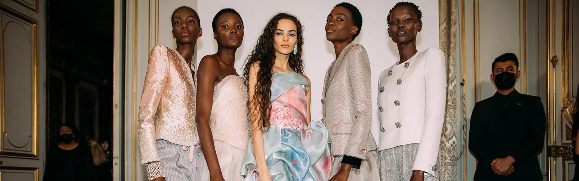По цели 18 месеци, високата мода донесе неверојатна возбуда во Париз