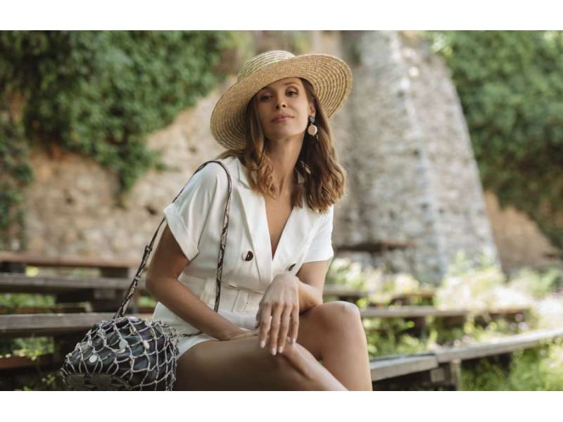 Каролина Гочева за MANGO во летно издание